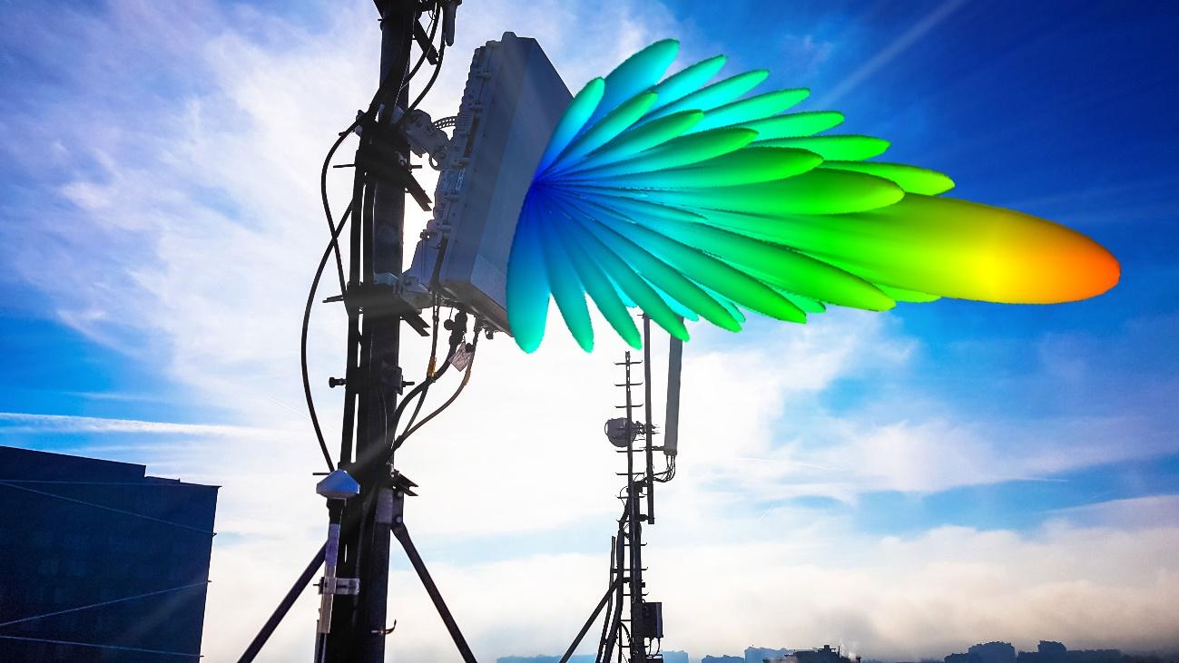 5GマッシブMIMOアレイアンテナのネットワーク環境でのシミュレーション。ビームフォーミングのアンテナパターンを実際の設置場所と重ね合わせたもの