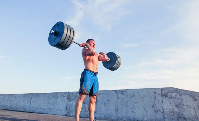 スポーツと物理学 – 重量が重くなってもバーベルは壊れないのか?